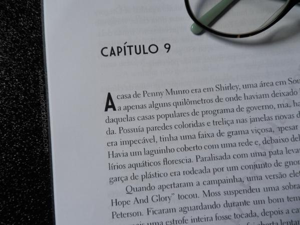 L - UMA SOMBRA NA ESCURIDÃO 2