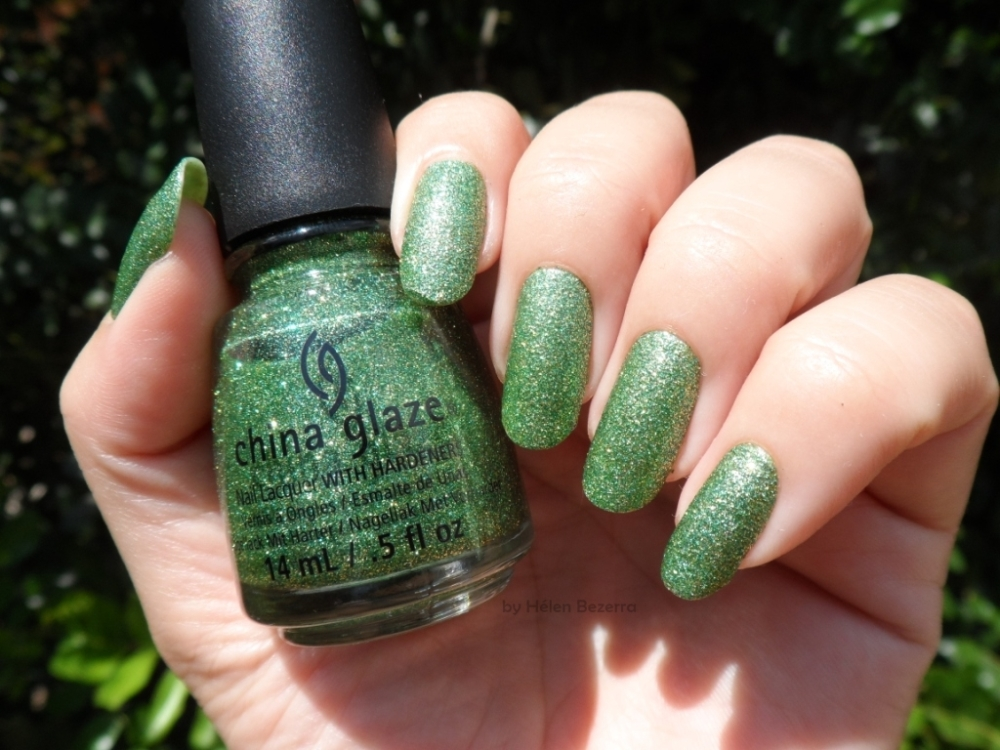 CHINA GLAZE -THIS IS TREE MENDOUS 1